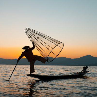 Pueblos flotantes del Lago Inle y los pescadores Intha